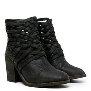 •Free People• Carerra Weathered Leather Booties